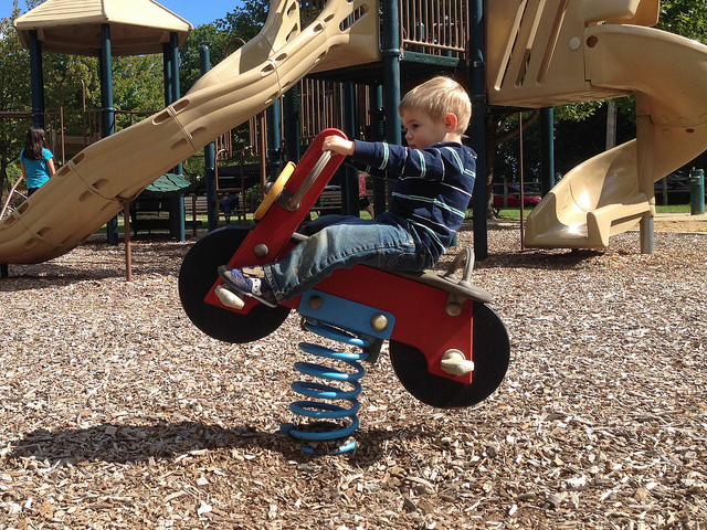 – El Inglés In The Mi En Parque Playground Hijo Con SpqULzMVG